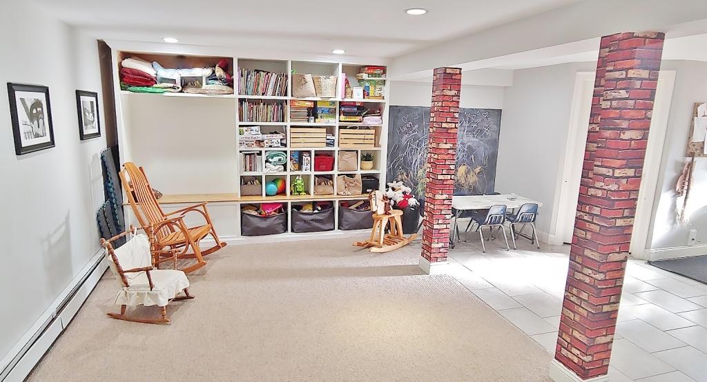 Miss Aria's playroom